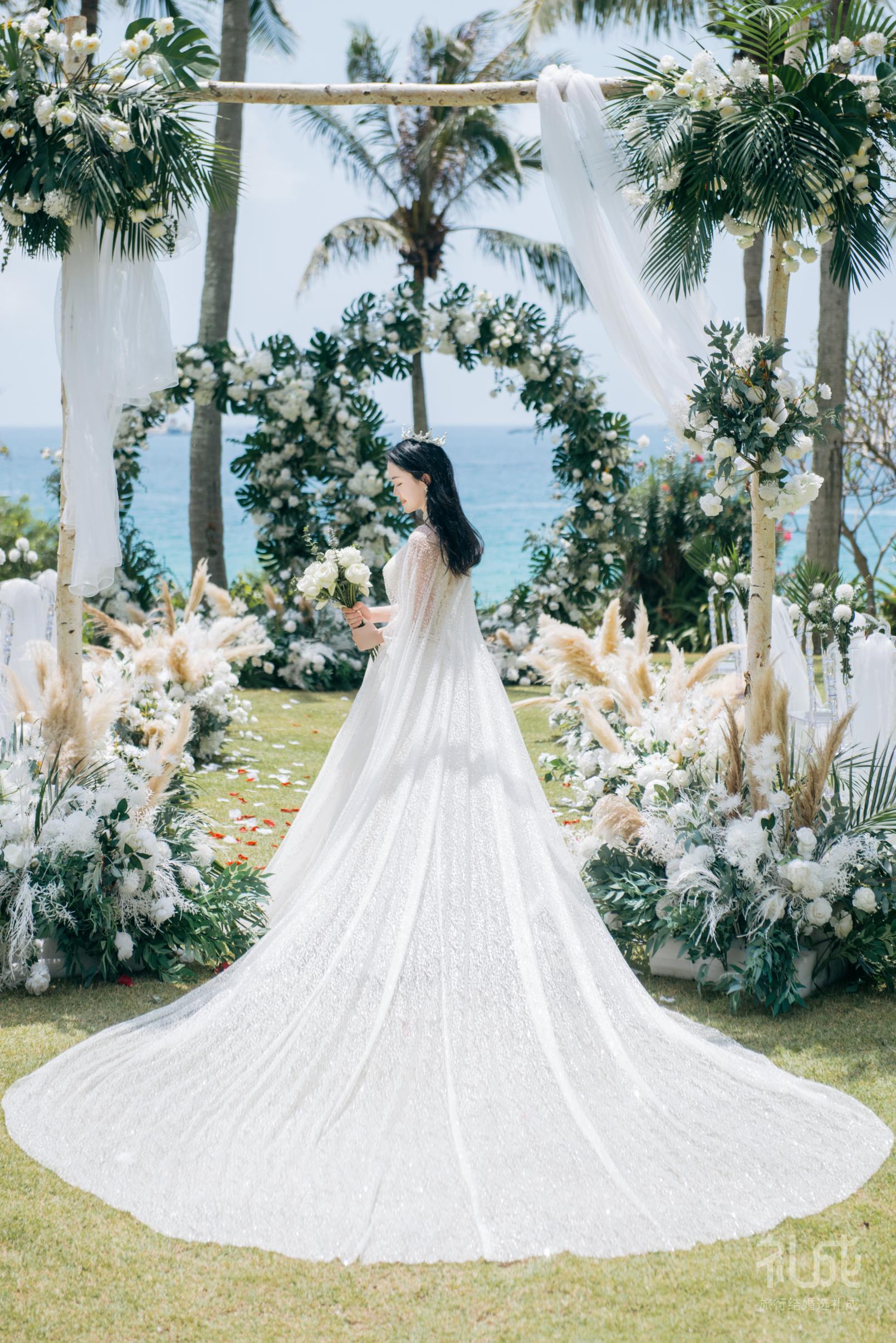 用2W+办了场只属于我们两个人的海岛婚礼